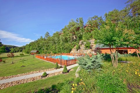 Luxury Cabin with Outdoor Resort Swimming Pool - Dreamland