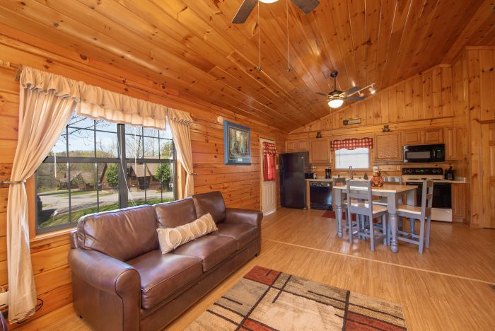 Cabin with dining area for 4 - Dreams Come True