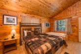Cabin with private bedroom jacuzzi