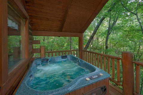Honeymoon cabin with private hot tub - Dreamweaver