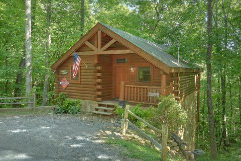 Private One Bedroom Honeymoon cabin - Dreamweaver