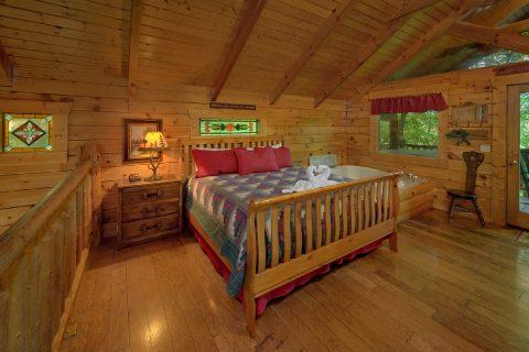 King Bedroom in rustic honeymoon cabin - Dreamweaver