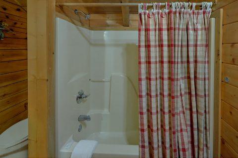 Honeymoon cabin with priavte master bath - Dreamweaver