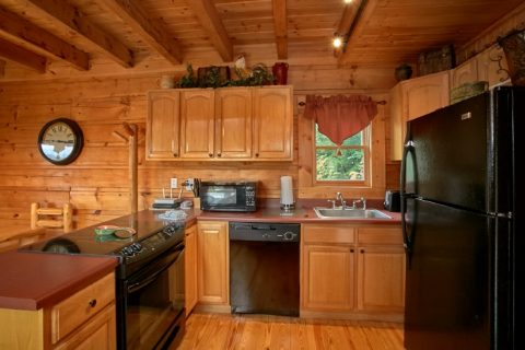 Pigeon Forge Cabin with Full Kitchen - Eagle's Crest