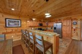 5 Bedroom cabin with Spacious kitchen
