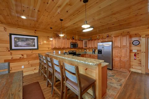 5 Bedroom cabin with Spacious kitchen - Elk Ridge Lodge