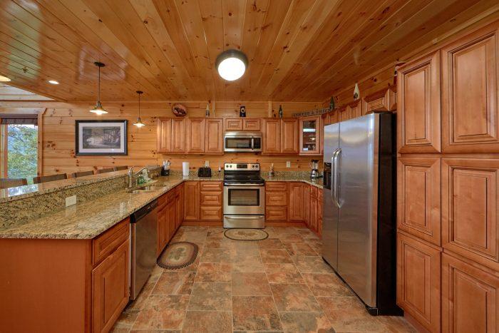 Fully Furnished kitchen in 5 bedroom cabin - Elk Ridge Lodge