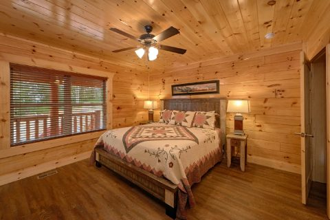 King Bedroom With Private Bathroom and Deck - Elk Ridge Lodge