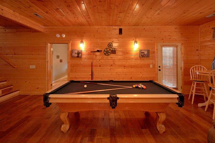 5 Bedroom Cabin Sleeps 14 with Game Room - Elkhorn Lodge