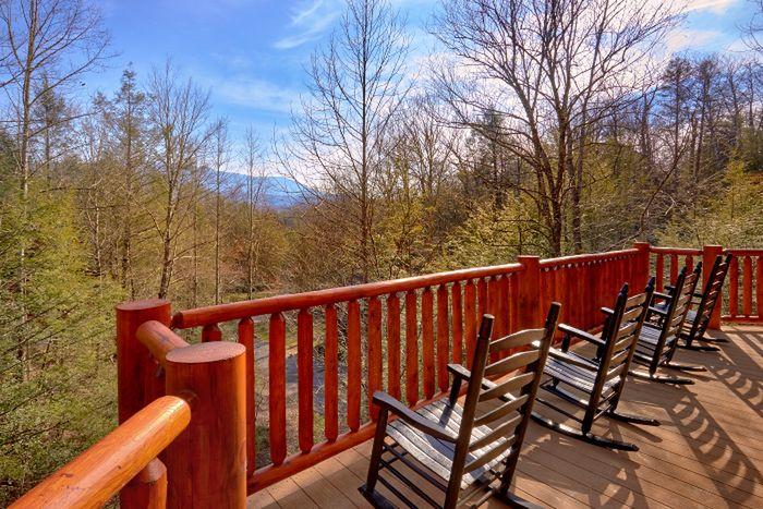Spacious 5 Bedroom Cabin in Gatlinburg - Elkhorn Lodge
