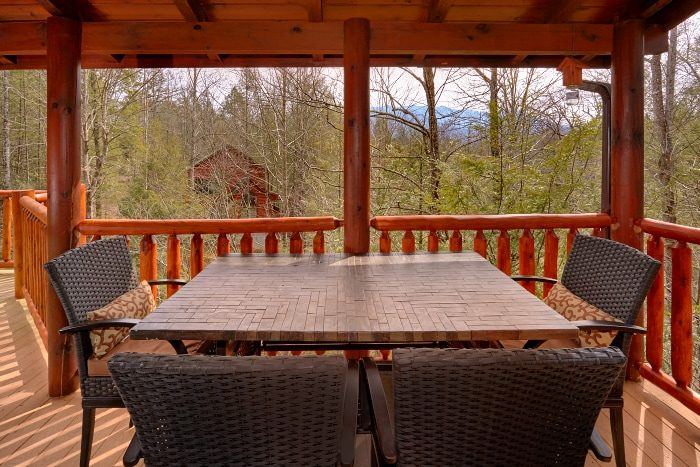 5 Bedroom Cabin Sleep 4 with Out Door Seating - Elkhorn Lodge
