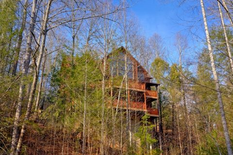 3 Story 5 Bedroom Cabin Sleeps 14 in Gatlinburg - Elkhorn Lodge