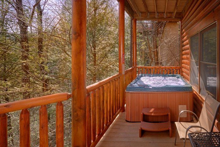5 Bedroom Cabin Sleeps 14 with Views - Elkhorn Lodge