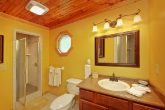 1 Bedroom Cabin with Private Bath and Jacuzzi