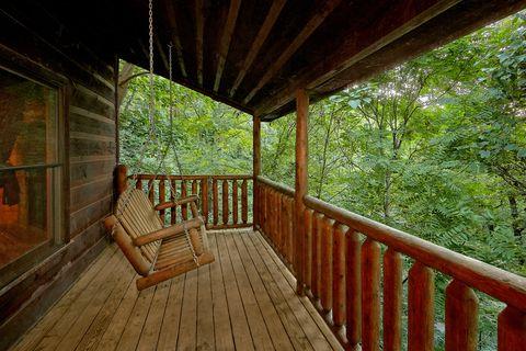 2 Bedroom 2 Bath Cabin with Swing Sleeps 10 - Endless Joy