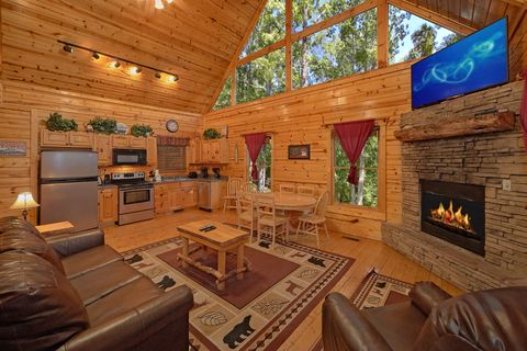 Fully Equipped Kitchen and Dining Table in Cabin - Endless Joy