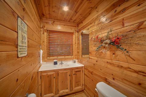 Sky Harbor 2 Bedroom 2 Bath Cabin Sleeps 10 - Endless Joy