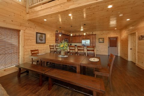 Spacious Luxury Cabin with Dining room for 18 - Endless Sunsets