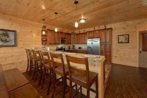 5 bedroom cabin with bar seating in kitchen - Endless Sunsets