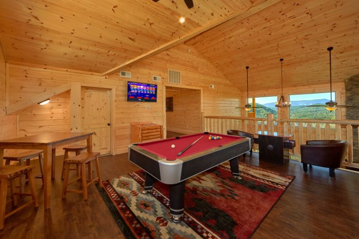 5 bedroom cabin with Pool table and arcade game - Endless Sunsets