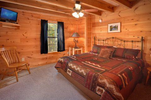 3 Bedroom Cabin with Main Floor King Bedroom - Falcon Crest