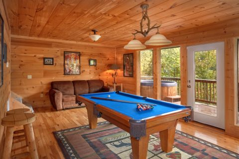 3 Bedroom Cabin with Pool Table & Sofa Sleeper - Falcon Crest