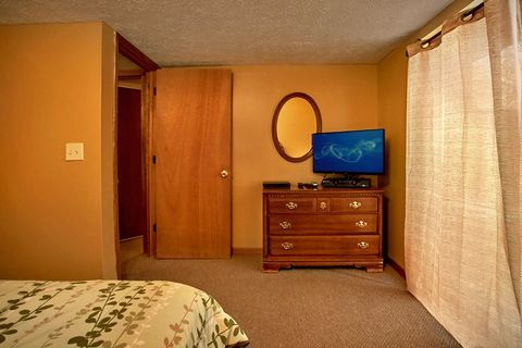 Cabin with Queen bedrooms and Flat Screen TVs - Family Gathering
