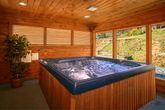 7 Bedroom cabin with Hot Tub & Screened in Porch