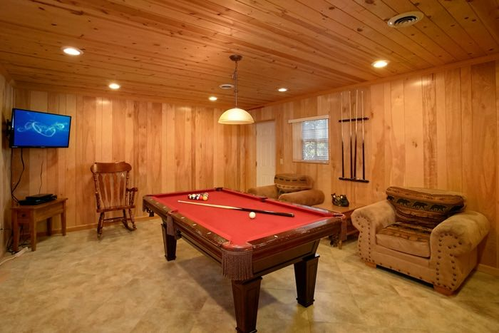 Pigeon Forge Cabin with Pool Table and Game Room - Family Getaway
