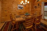 Gatlinburg cabin with Dining room for 6 guests
