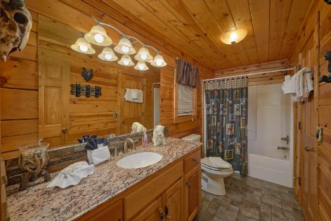 Spacious Master bathroom in 2 bedroom cabin - Fireside View