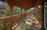 Cabin rental with 4 bedrooms and private hot tub