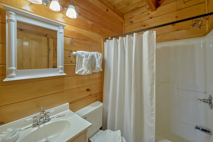 Cabins at the Crossing 4 Bedroom Cabin Rental - Fishin Hole