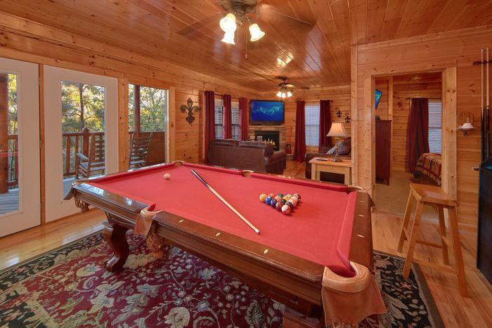 Luxury Rental in Hidden Springs with Pool Table - Fleur De Lis