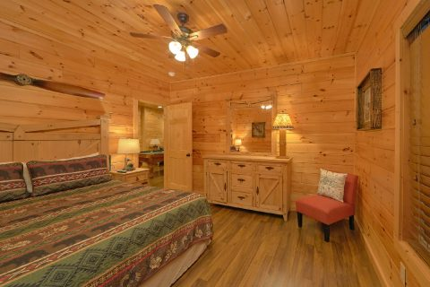 3 Bedroom Cabin with 2 master king bedrooms - Flying Bear