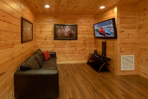 3 Bedroom cabin with Game room and sleeper sofa - Flying Bear