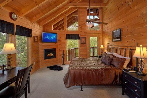 3 Bedroom Cabin with Luxury Master Bedroom - Fort Knoxx