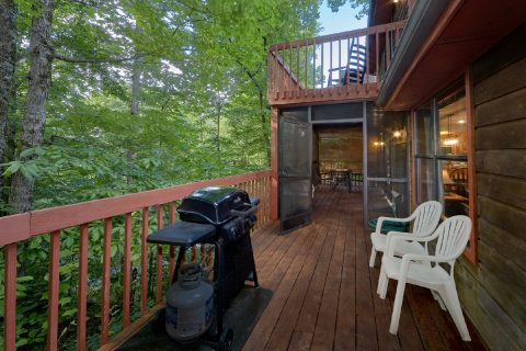 Large Decks Pigeon Forge - Foxes Den