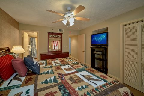 Gatlinburg Condo with King Bedroom and bath - Gatehouse 505