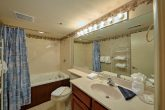 Condo with private bathroom and Jacuzzi Tub