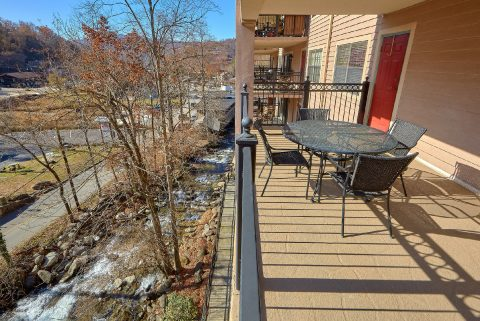 Private balcony at 2 bedroom condo on the creek - Gatehouse 505