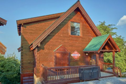 3 Bedroom 3.5 Bath 3 Story Cabin Sleeps 6 - Gatlinburg Splash