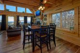 Luxury Cabin with Dining Room and Bar Seating