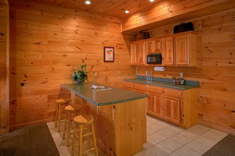 3 Bedroom Cabin Sleeps 10 with Wet Bar - Gatlinburg Views
