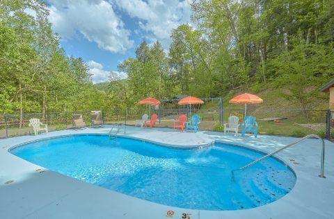 Resort Pool Gatlinburg - Gatlinburg Views