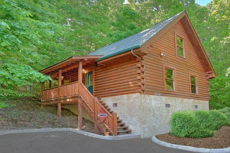 A Lovers Retreat: 1 Bedroom Pigeon Forge Cabin Rental
