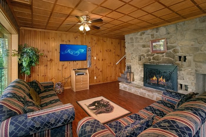 Cabin with Sleeper Sofa, Game Room and Fireplace - Grand Pinnacle