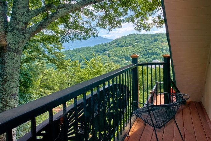 Gatlinburg Cabin with Private balcony and View - Grand Pinnacle