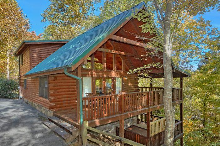 Gray Fox Den Cabin Rental Photo