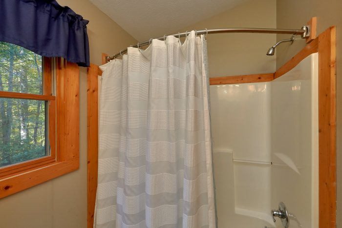 Large Walk in Showers - Gray Fox Den